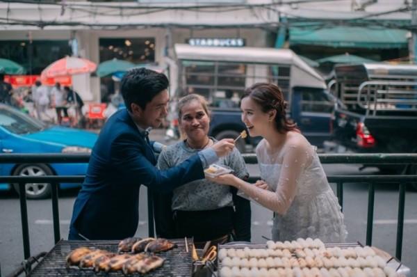 Bộ ảnh đưa nhau đi ăn khắp thế gian khiến bạn xem là muốn cưới - Ảnh 3.