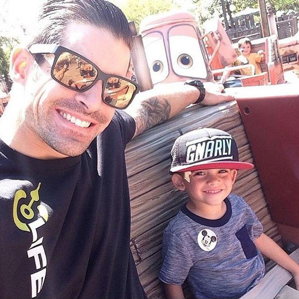 Bạn sẽ thấy vui vẻ hơn bao giờ hết khi xem bộ ảnh bố đưa con đi chơi công viên siêu đáng yêu này! - Ảnh 24.