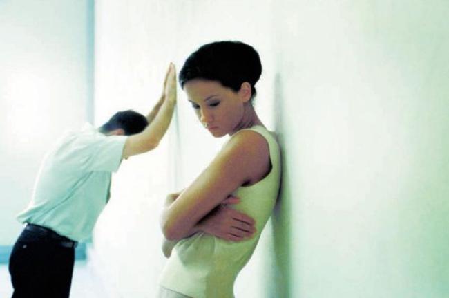 Nỗi đau không biết kêu ai của những người phụ nữ lỡ lấy nhầm chồng gay - Ảnh 6.