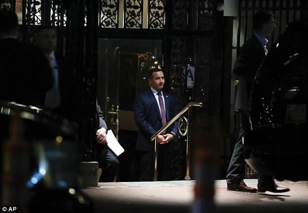 Ông Donald Trump bí mật cùng vợ và các con ăn tối ở Manhattan - Ảnh 18.