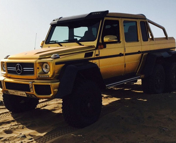 Cuộc sống hào nhoáng của đại gia Ả Rập sau màn khoe 4 siêu xe mạ vàng tại London - Ảnh 9.