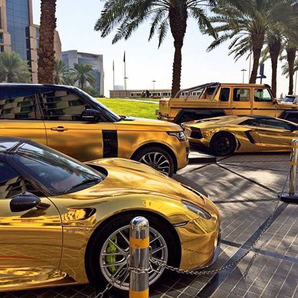 Cuộc sống hào nhoáng của đại gia Ả Rập sau màn khoe 4 siêu xe mạ vàng tại London - Ảnh 8.