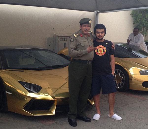 Cuộc sống hào nhoáng của đại gia Ả Rập sau màn khoe 4 siêu xe mạ vàng tại London - Ảnh 10.