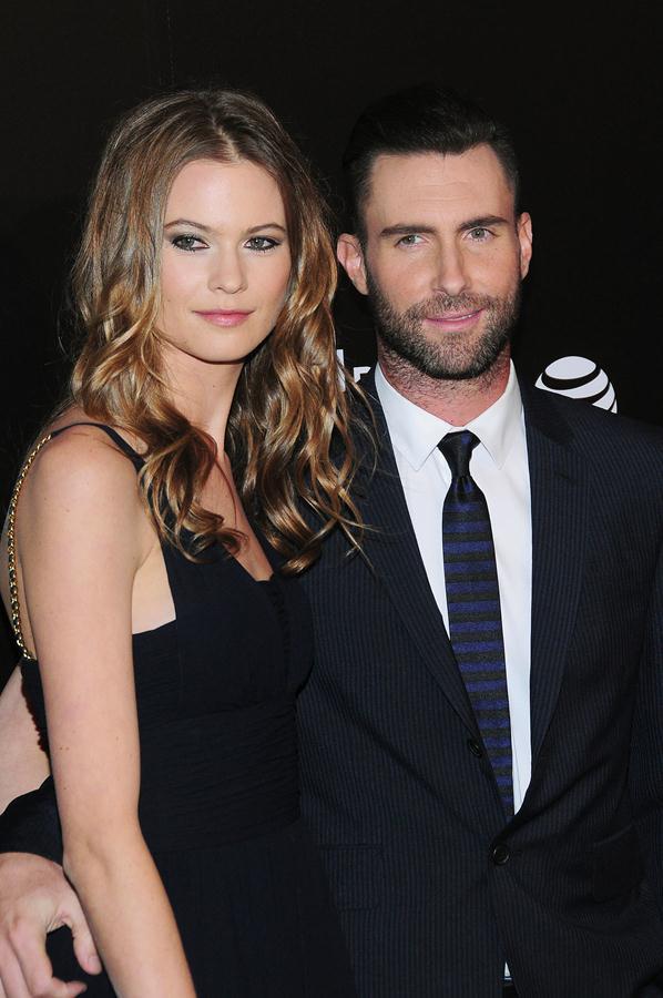 Công chúa nhỏ đáng yêu của vợ chồng Adam Levine đã lộ diện! - Ảnh 2.
