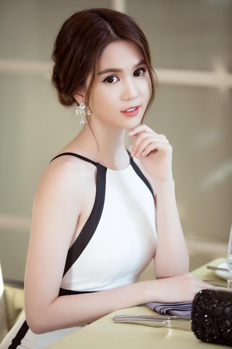 Ngoc Trinh Nude Photos 87