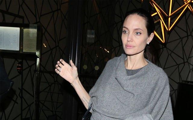 Angelina Jolie giờ đây chỉ còn 34 kg dù cao gần 1m70? - Ảnh 12.