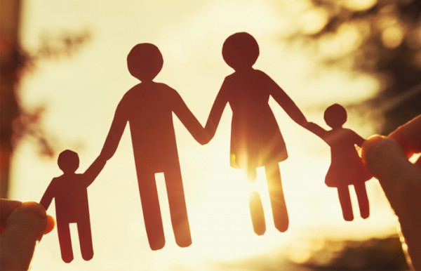 Chúng ta lớn rồi, bố mẹ cũng âm thầm già đi lúc nào chẳng biết... - Ảnh 1.