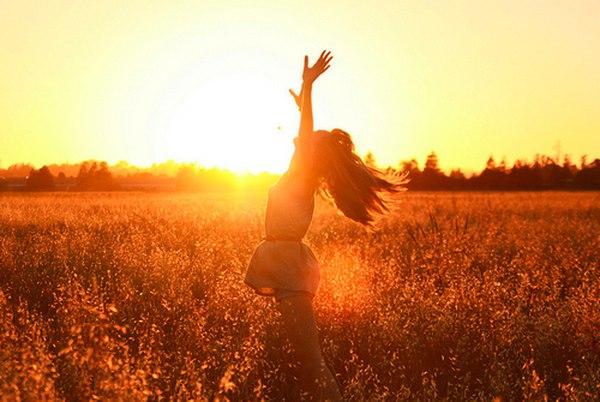 Hãy luôn rực rỡ như ánh sáng Mặt Trời, cuộc đời tự nhiên sẽ tốt đẹp hẳn - Ảnh 2.