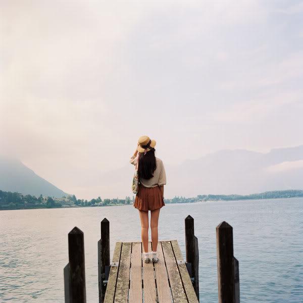 Cuộc sống vốn dĩ rất đẹp, đừng nhấn chìm bản thân trong những nỗi buồn! - Ảnh 2.