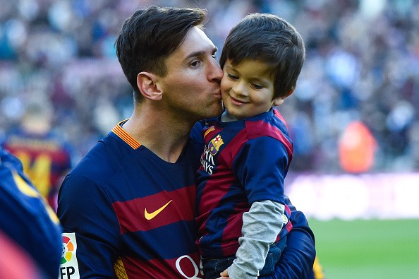 Barcelona chiêu mộ con trai cả của Messi - Ảnh 2.