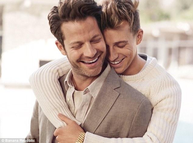 4 cặp đôi đồng tính nam vừa đẹp, vừa bền nổi tiếng nhất mạng xã hội - Ảnh 19.