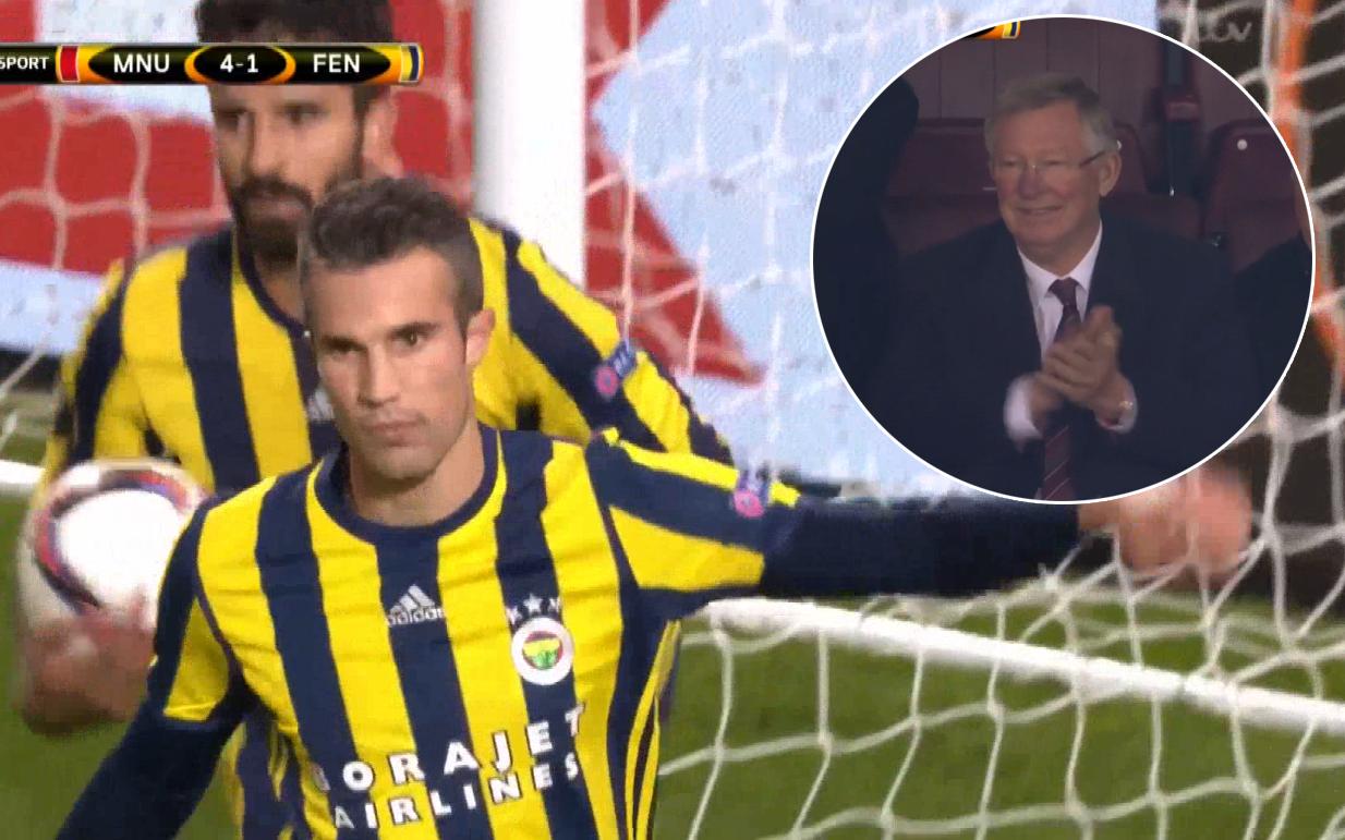 Van Persie sút tung lưới Man Utd, Sir Alex Ferguson vỗ tay tán thưởng đầy hạnh phúc