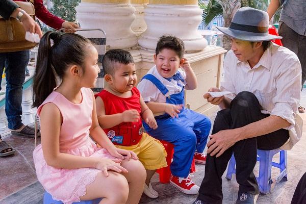 """""""Bảo Mẫu Siêu Quậy"""" - Hoài Linh chăm sóc 2 nhóc mập cực đáng yêu - Ảnh 3."""