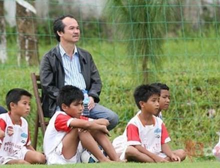 Bầu Đức và cuộc cách mạng mới cho bóng đá Việt Nam