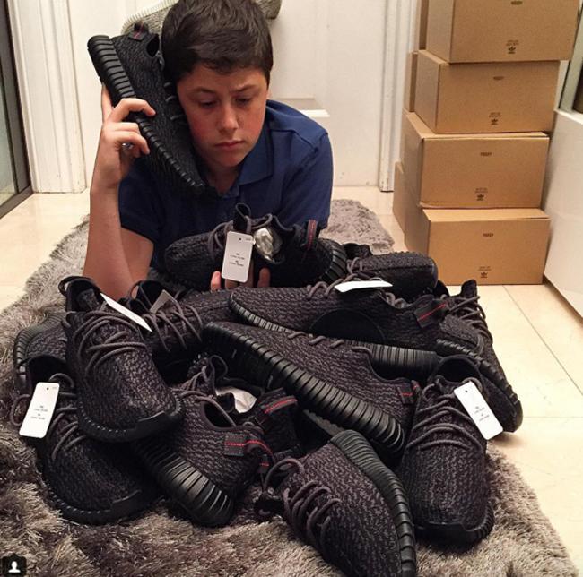 16 tuổi kiếm được hơn 22 tỷ đồng - Chỉ nhờ bán sneaker hiếm mà cậu bé này đã phát tài! - Ảnh 3.
