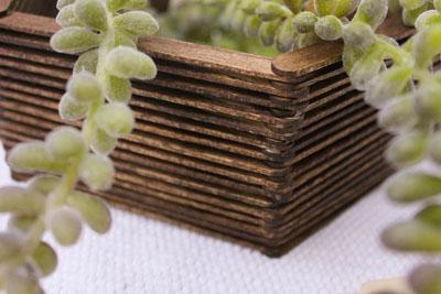 Nhặt que kem quanh nhà làm kệ tổ ong đựng sách đựng đồ đều đẹp - Ảnh 5.
