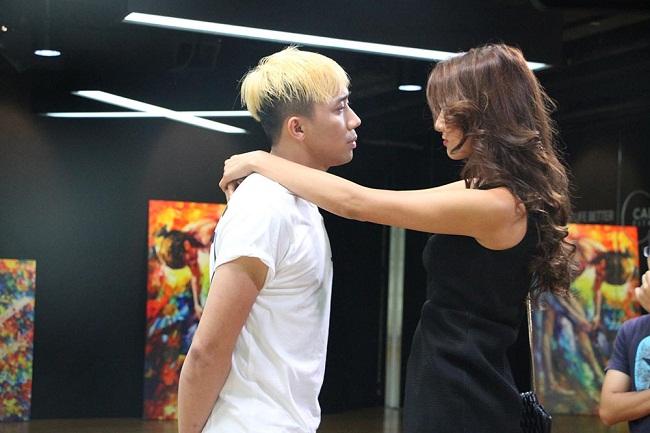 """Lilly Nguyễn """"sợ chết khiếp"""" khi liên tục hôn Trấn Thành - Ảnh 3."""