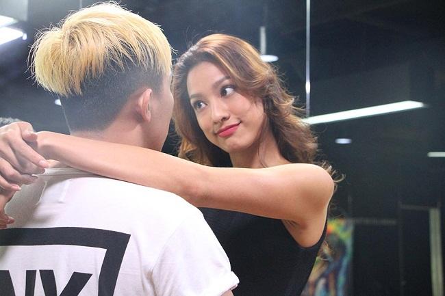 """Lilly Nguyễn """"sợ chết khiếp"""" khi liên tục hôn Trấn Thành - Ảnh 1."""