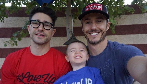 4 cặp đôi đồng tính nam vừa đẹp, vừa bền nổi tiếng nhất mạng xã hội - Ảnh 13.