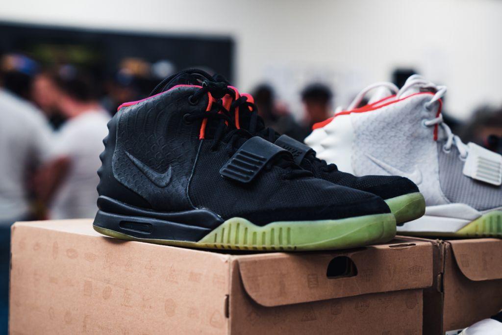 15 đôi sneaker chỉ thấy giá cũng đủ để khiến bạn