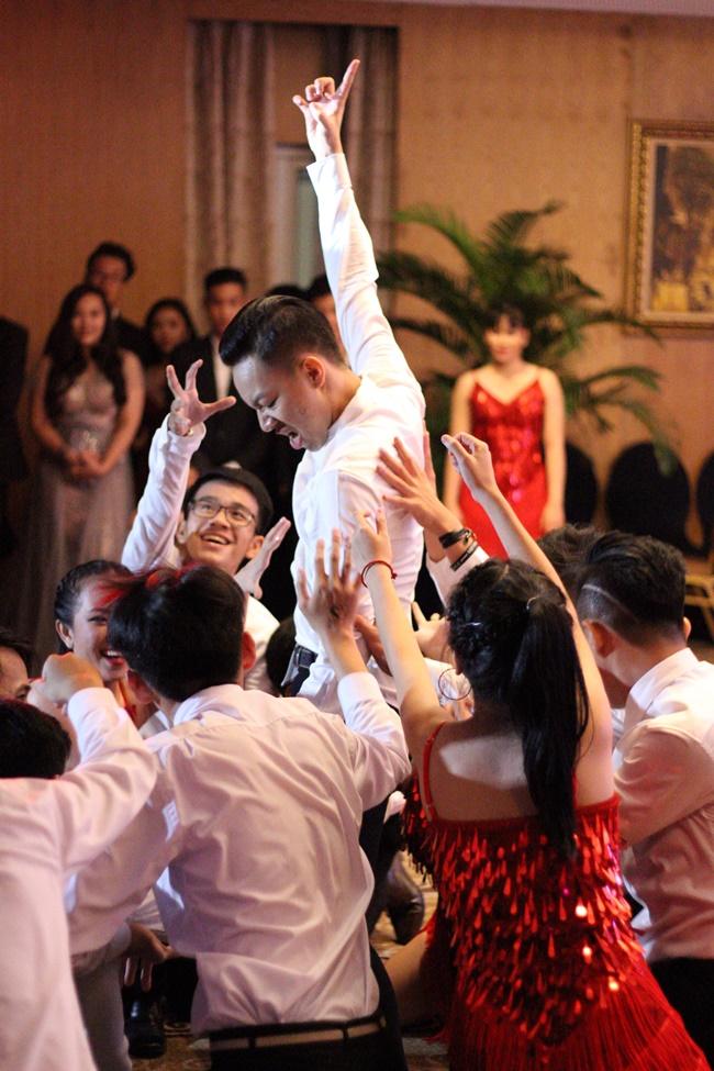 Teen THPT Lê Quý Đôn (TP.HCM) quẩy cực sung trong prom độc lập đầu tiên của trường - Ảnh 12.