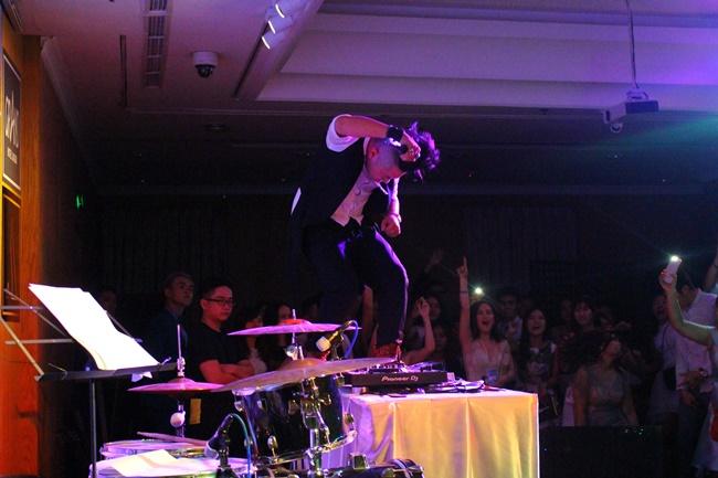 Teen THPT Lê Quý Đôn (TP.HCM) quẩy cực sung trong prom độc lập đầu tiên của trường - Ảnh 35.