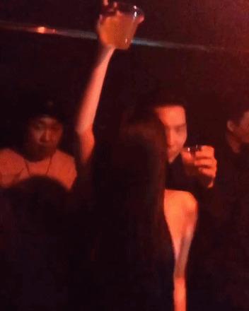 Cựu thành viên F(x) Sulli lộ ảnh xõa hết mình tại hộp đêm - Ảnh 1.