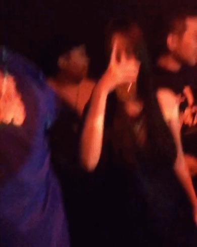 Cựu thành viên F(x) Sulli lộ ảnh xõa hết mình tại hộp đêm - Ảnh 3.