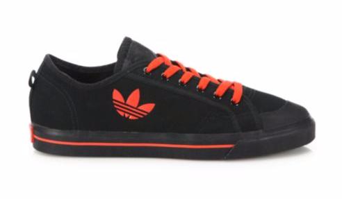 Bộ sưu tập giày sneaker đen huyền bí dành cho các boy - Ảnh 1.
