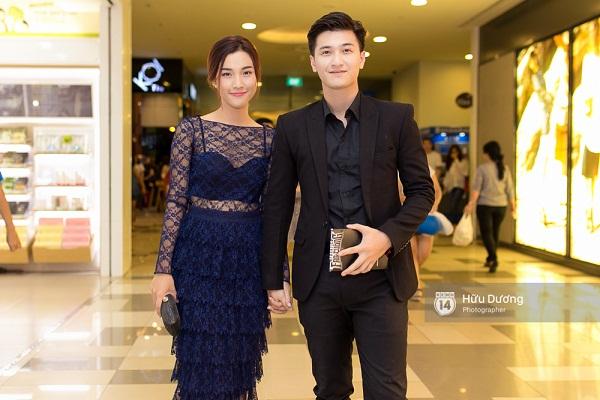 Fan Cuồng Thái Hòa 2 tay ôm 2 nàng Trinh xinh đẹp và bốc lửa - Ảnh 20.