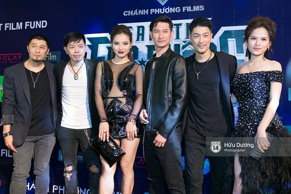 Fan Cuồng Thái Hòa 2 tay ôm 2 nàng Trinh xinh đẹp và bốc lửa - Ảnh 7.