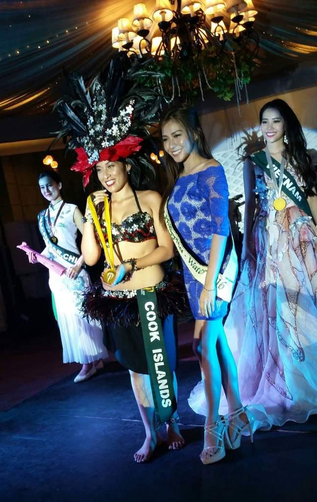 Đại diện Việt Nam - Nam Em đoạt huy chương bạc phần thi tài năng tại Hoa hậu Trái Đất 2016 - Ảnh 2.