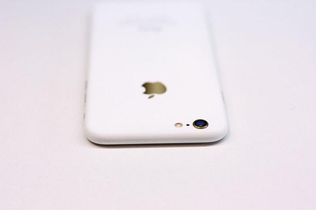 Chiêm ngưỡng iPhone độ vỏ trắng Ngọc Trinh đẹp đến xiêu lòng - Ảnh 3.