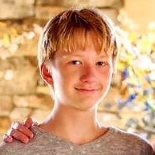 Vụ án cậu bé 14 tuổi bắn chết mẹ và em trai rồi đổ tại bố gây chấn động Mỹ - ảnh 2