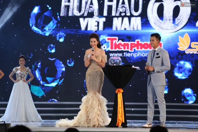 Vừa đăng quang, Hoa hậu Đỗ Mỹ Linh đã bị phát hiện mặc váy na ná Á hậu Huyền My - Ảnh 3.