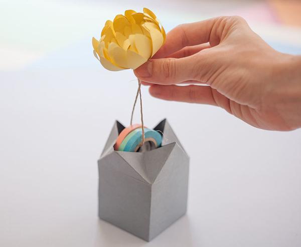 Bạn đã biết cách làm hộp quà không phải xé giấy khi mở này chưa? - Ảnh 9.