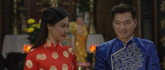 """Hoài Linh rơi nước mắt nghe Hồ Văn Cường hát """"Bà năm"""" - ảnh 3"""