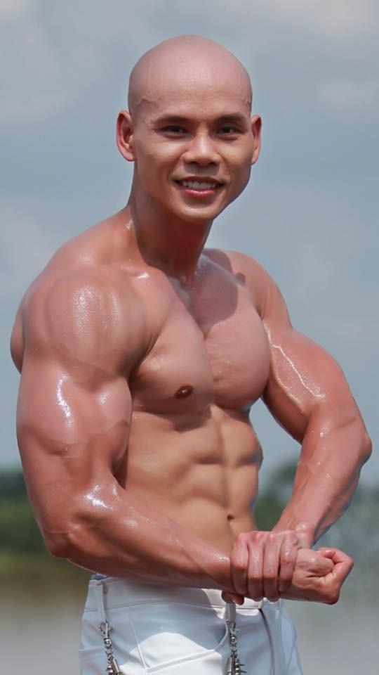 Ở tuổi 41, Phan Đình Tùng vẫn gây ấn tượng với thân hình 6 múi không thể chuẩn hơn! - Ảnh 10.