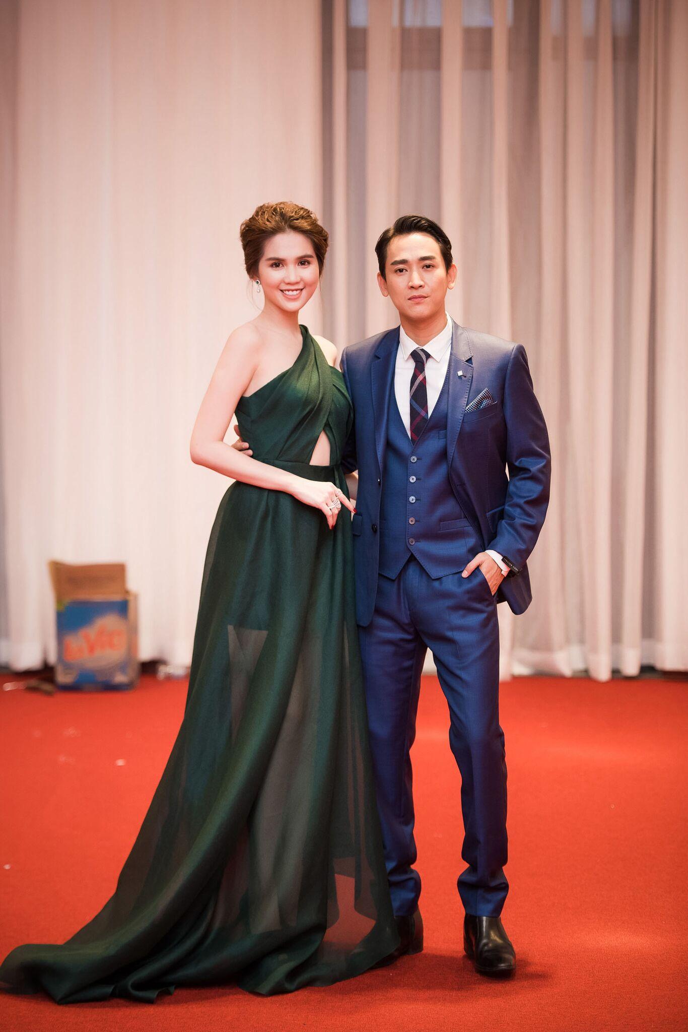 Ngọc Trinh trở thành tâm điểm chú ý khi dự sự kiện tại Hà Nội