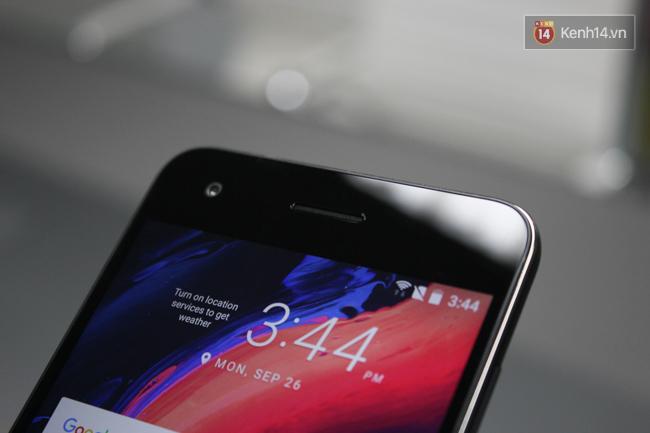 Cận cảnh HTC Desire 10 Pro: Camera chất nhưng... thô - Ảnh 7.