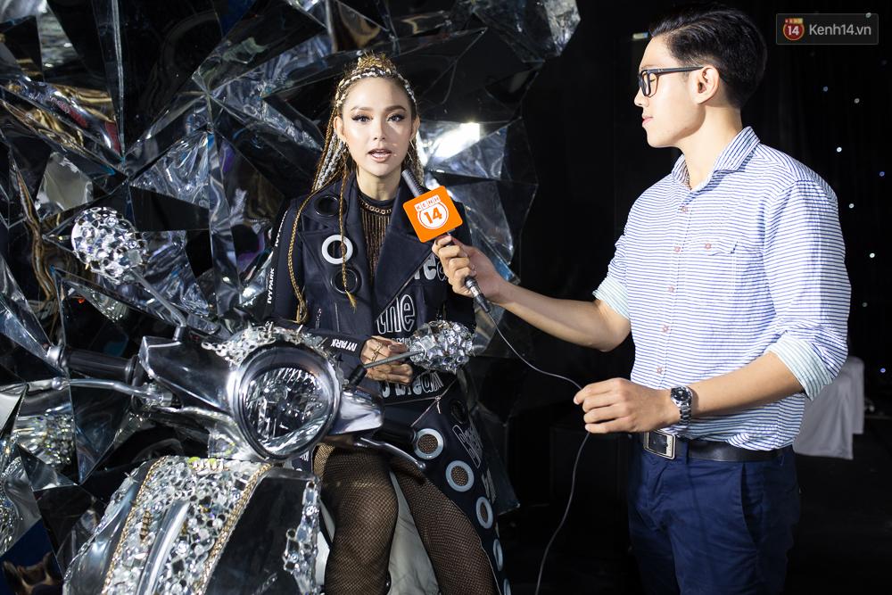 Minh Hằng đeo khoen mũi, tóc bím đầy cá tính trong ngày ra mắt MV kết hợp cùng đạo diễn Thái Lan