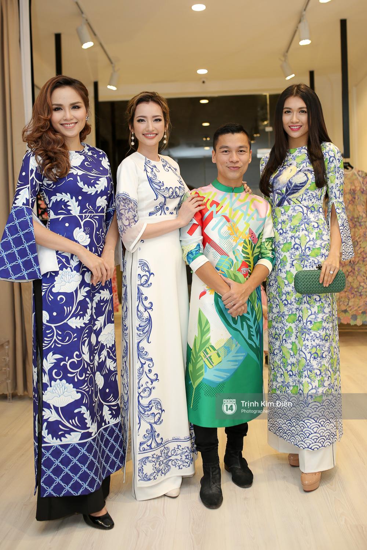 Phạm Hương, Chi Pu, Hạ Vi cùng dàn sao Việt