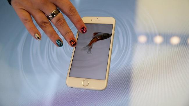 iPhone 7 sẽ có thể sạc đầy pin cực nhanh - Ảnh 1.