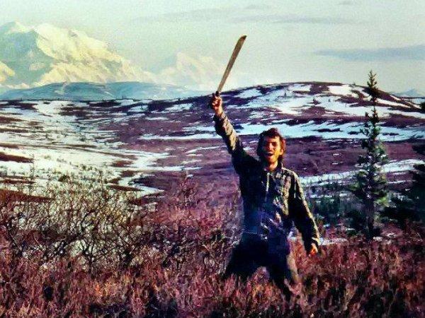 Chris McCandless: Vứt bỏ vật chất để lang thang vào miền hoang dã, và cái chết gây tranh cãi suốt hàng chục năm