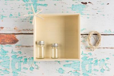 Mang không khí biển về phòng với kệ gỗ vỏ sò cực dễ làm - Ảnh 1.