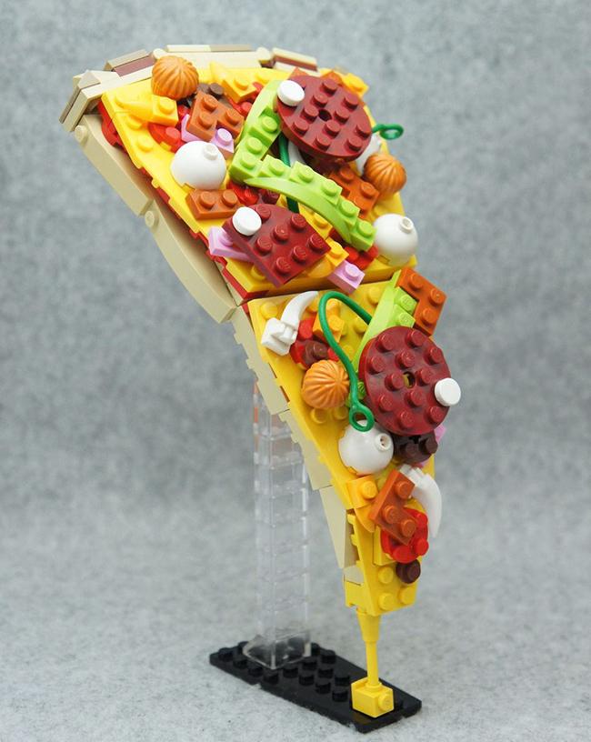 Nghệ sĩ xếp hình khéo léo biến hóa lego thành các món ăn ngon mắt - Ảnh 2.