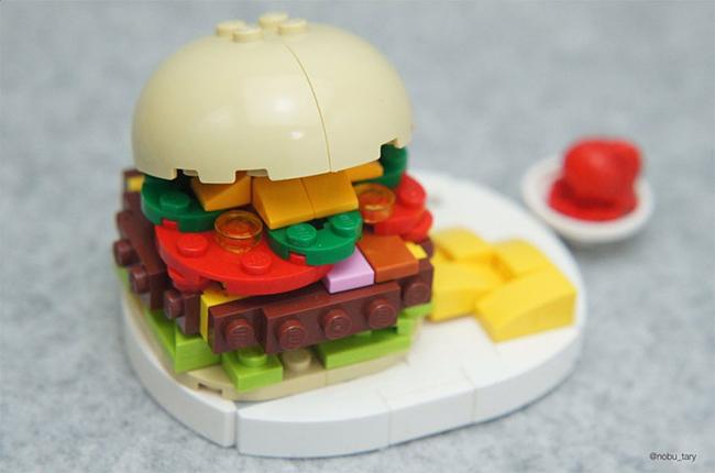 Nghệ sĩ xếp hình khéo léo biến hóa lego thành các món ăn ngon mắt - Ảnh 3.