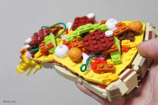 Nghệ sĩ xếp hình khéo léo biến hóa lego thành các món ăn ngon mắt - Ảnh 1.