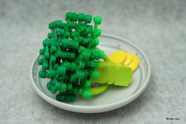 Nghệ sĩ xếp hình khéo léo biến hóa lego thành các món ăn ngon mắt - Ảnh 7.