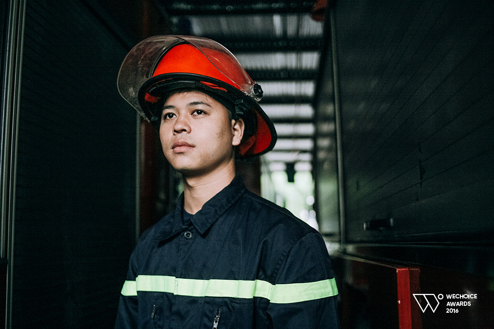 Năm 18 tuổi – Nếu được chọn, bạn có theo nghề lính cứu hỏa như những chàng trai dũng cảm này không? - Ảnh 4.